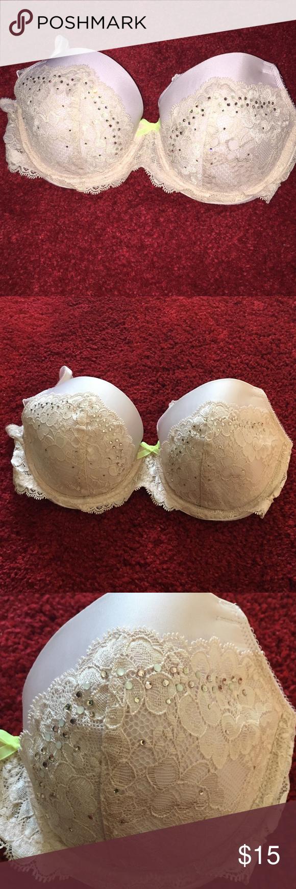 Victoria secret bra Lace dream Angels 32DD Victoria's Secret Intimates & Sleepwear Bras