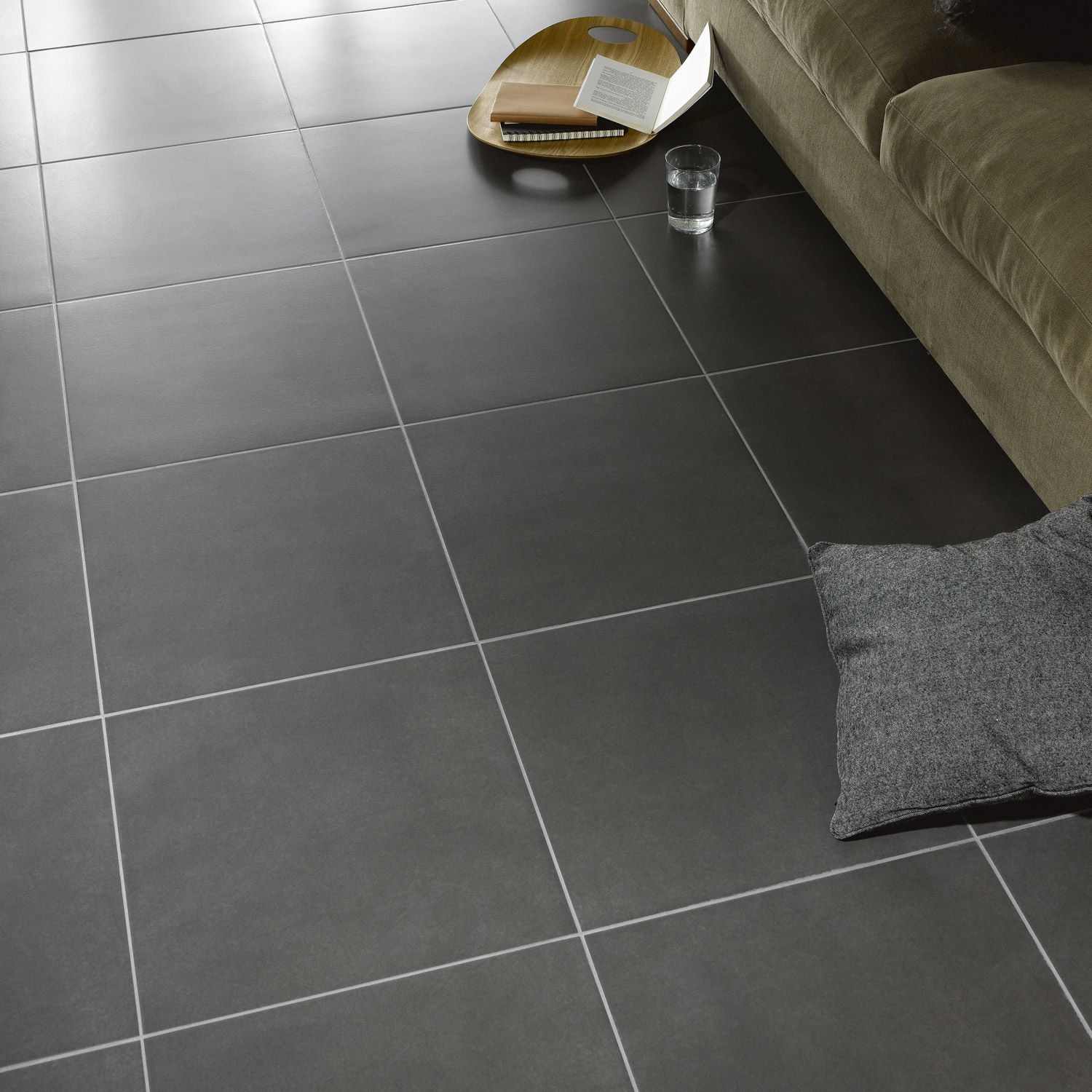 Carrelage sol gris magasin leroymerlingu rande for Carrelage ardoise sol