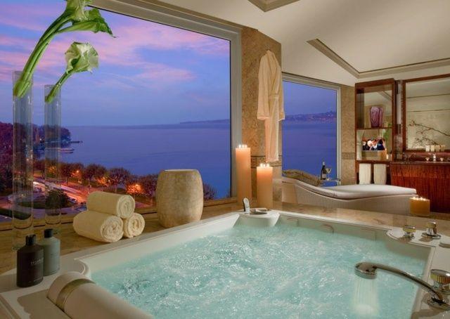 grande baignoire balno panorama et meuble salle de bains en bois - Tableau Design Salle De Bain