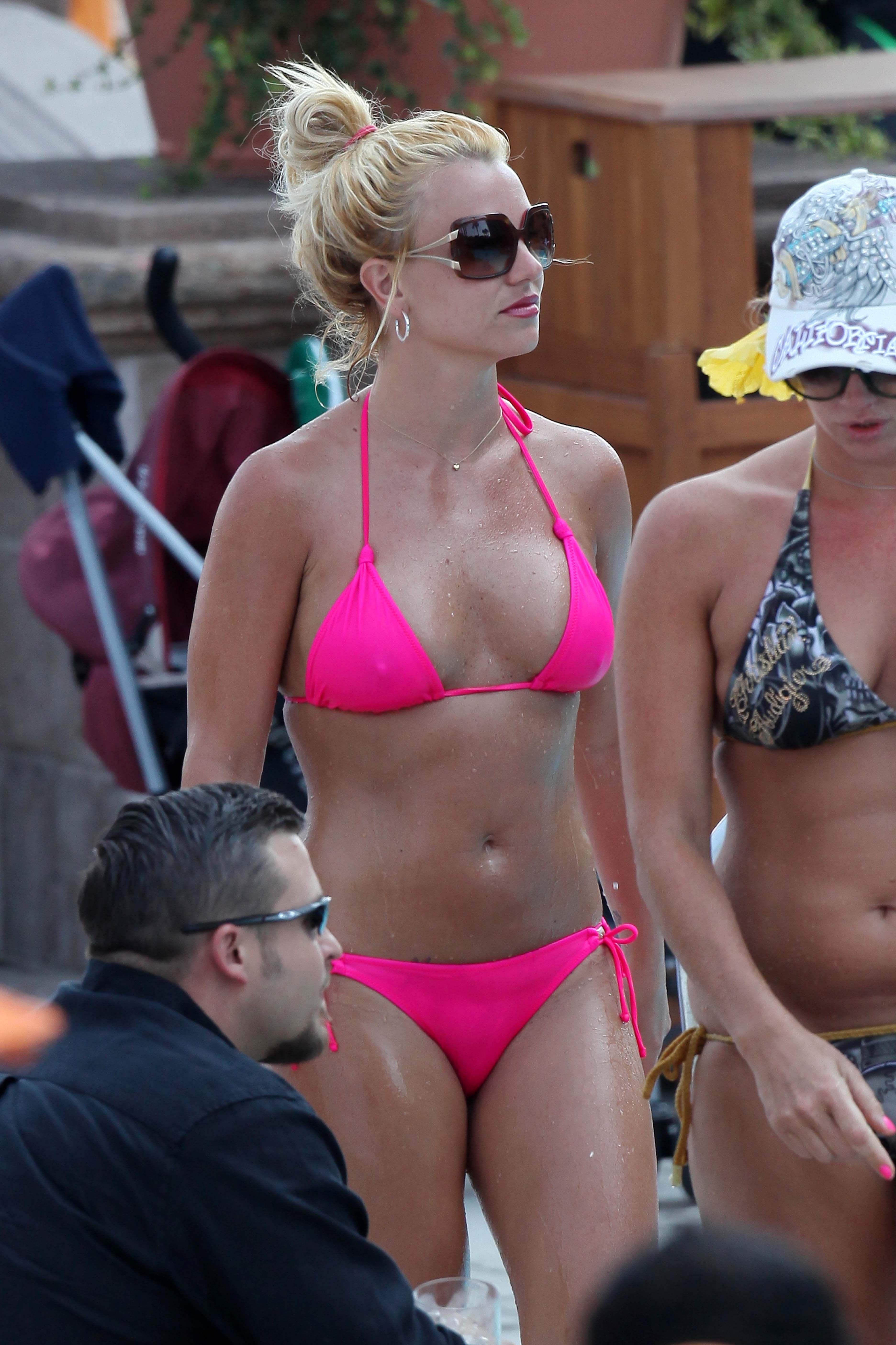 Bikini Brittany Allen nude (77 photos), Tits, Bikini, Feet, see through 2020