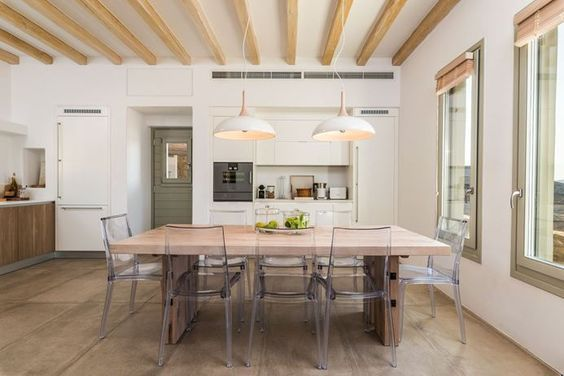 Classic Western European Interiors New Trends Traditional decor