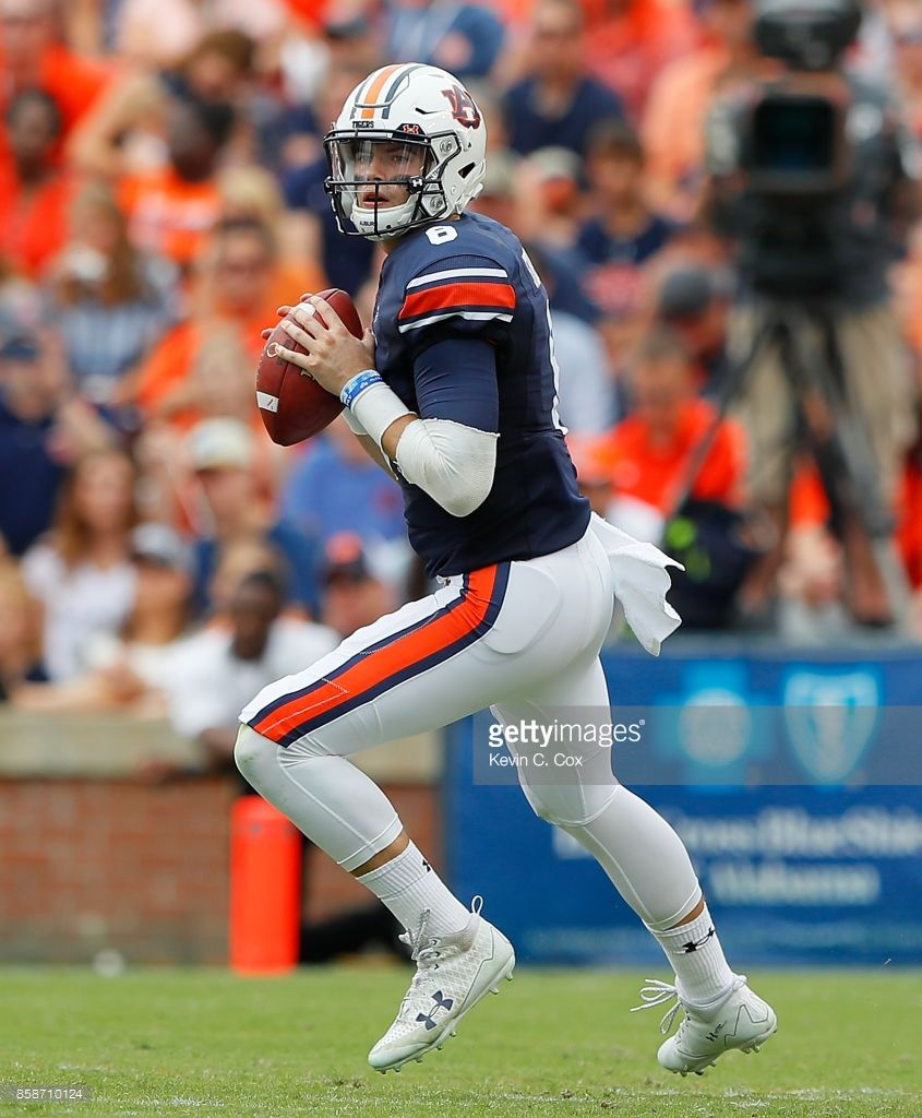 News Photo Jarrett Stidham Of The Auburn Tigers Looks To Auburn Tigers Auburn University Auburn