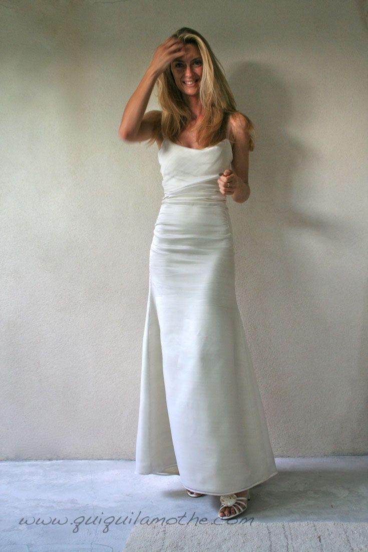 Robe de mariée en soie simple glamour. |