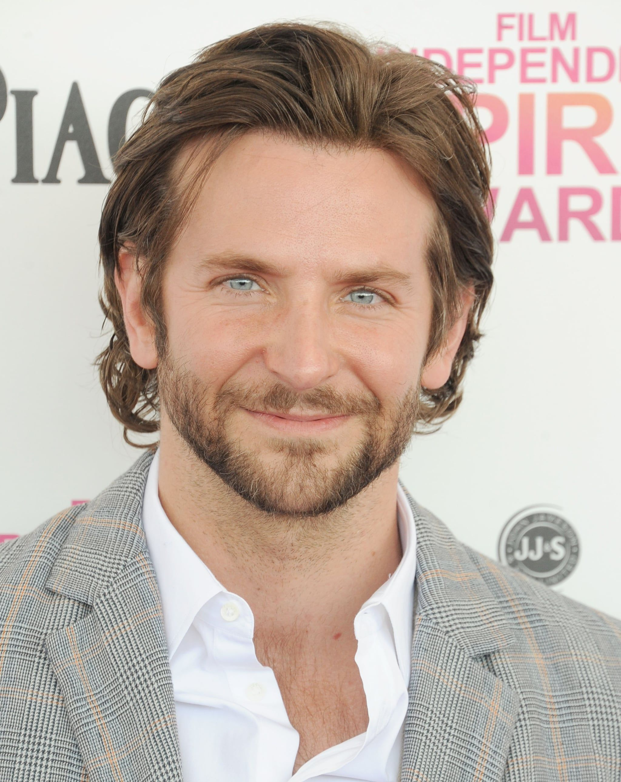 35 Pictures Of Bradley Cooper S Blue Eyes That Will Stop You In Your Tracks In 2020 Bradley Cooper Men Hair Color Blue Eyes