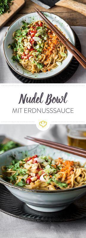 Cremige Erdnuss-Nudel-Bowl #zucchinipastarecipes