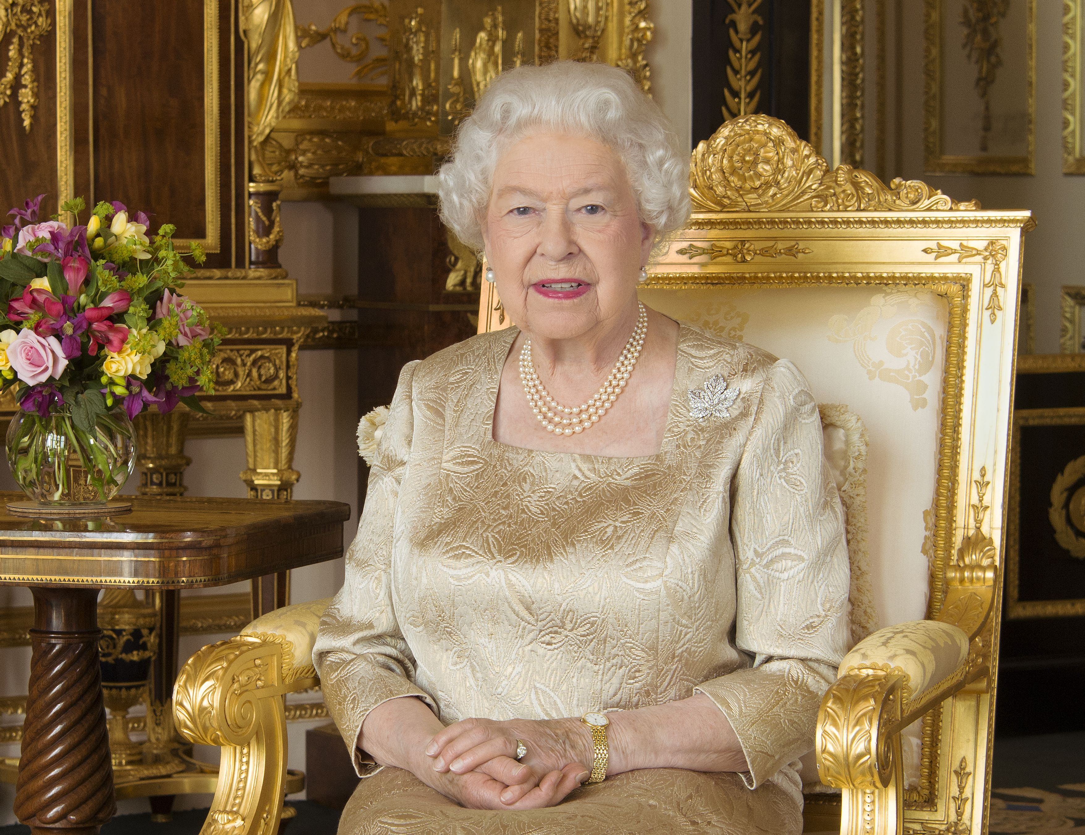 Queen Elizabeth Is Ready to Step Down From the Throne