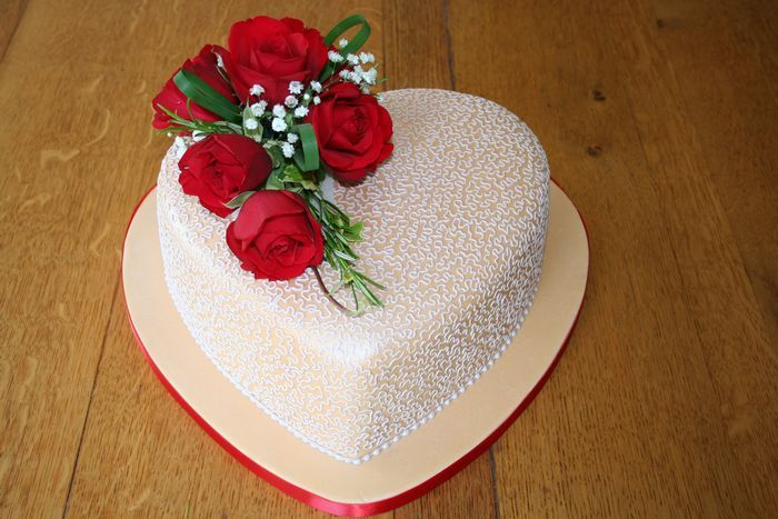 Heart shaped anniversary cakes google search cake decorating