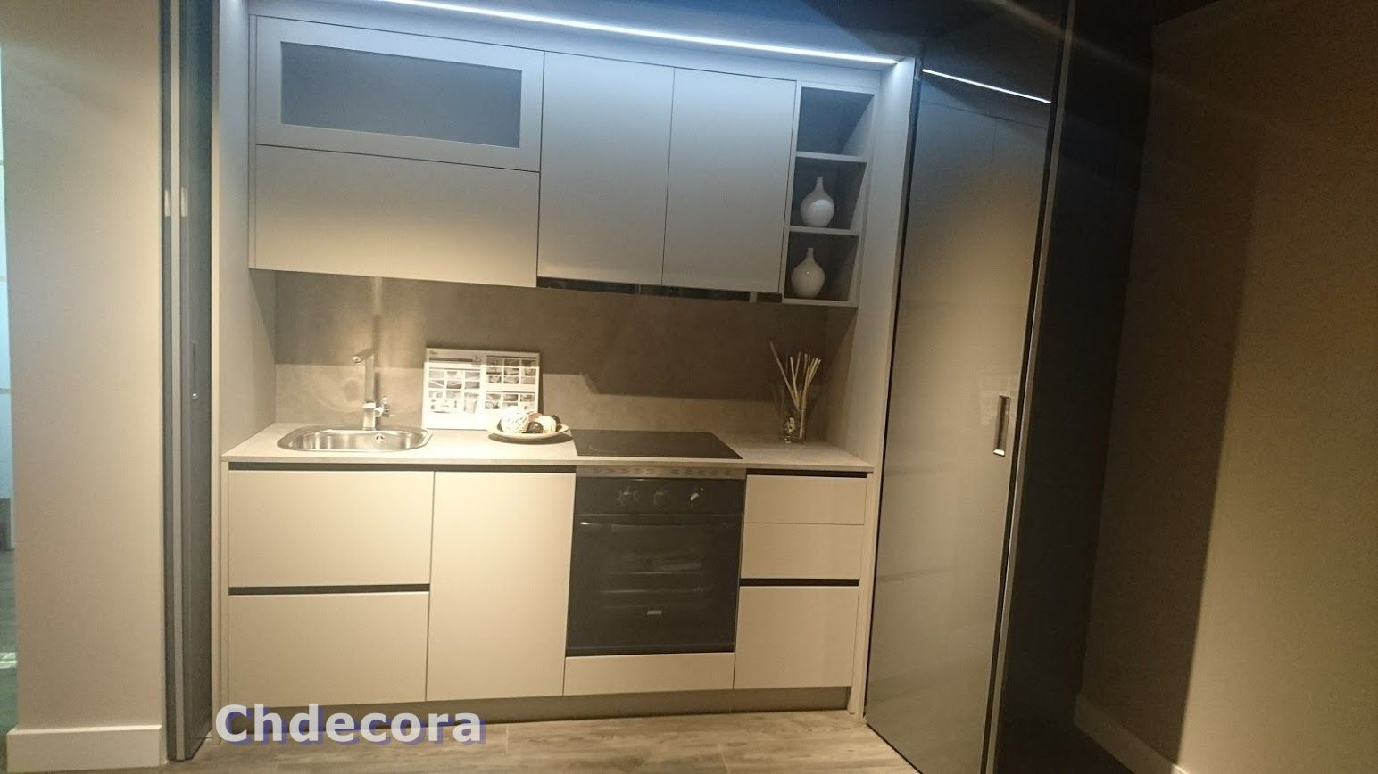 Muebles De Cocina Instalacion En Apartamento Con Puertas