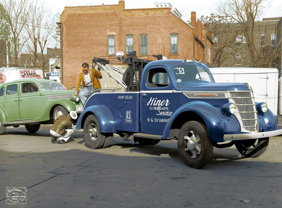 1937 International Tow Truck, Hiner US Tire  Auto Service, St - vehicle service contract