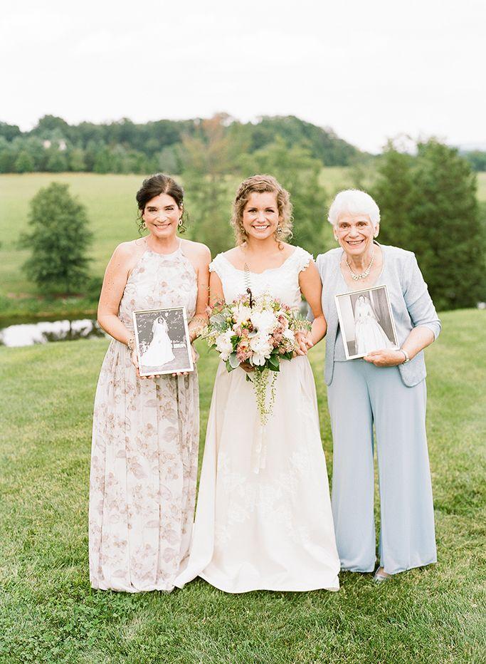 55 Heartwarming Mother-Daughter Wedding Photos