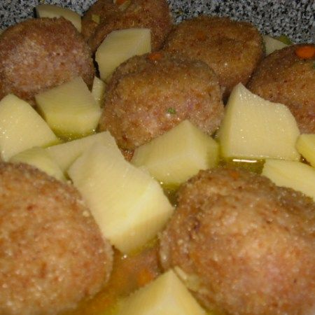 Photo of These very soft stewed meatballs with potatoes! A plate …