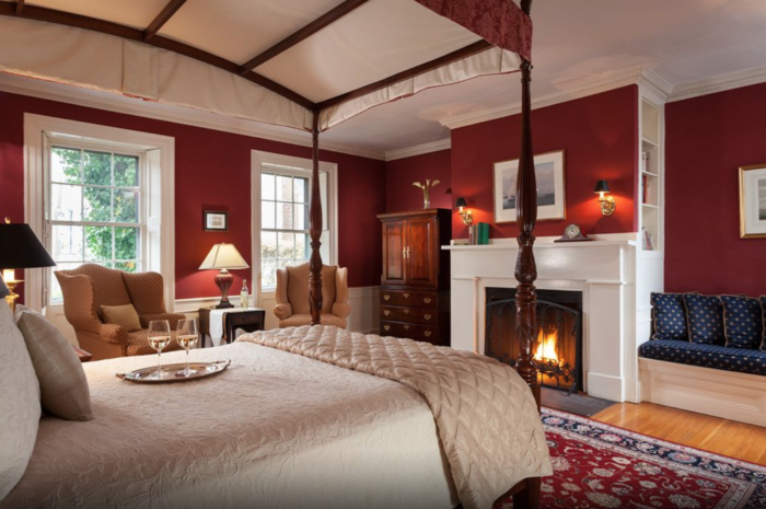 These 10 Romantic Spots In Massachusetts Are Perfect To Take That Special Someone With Images Jacuzzi Room Romantic Room Romantic Hotel