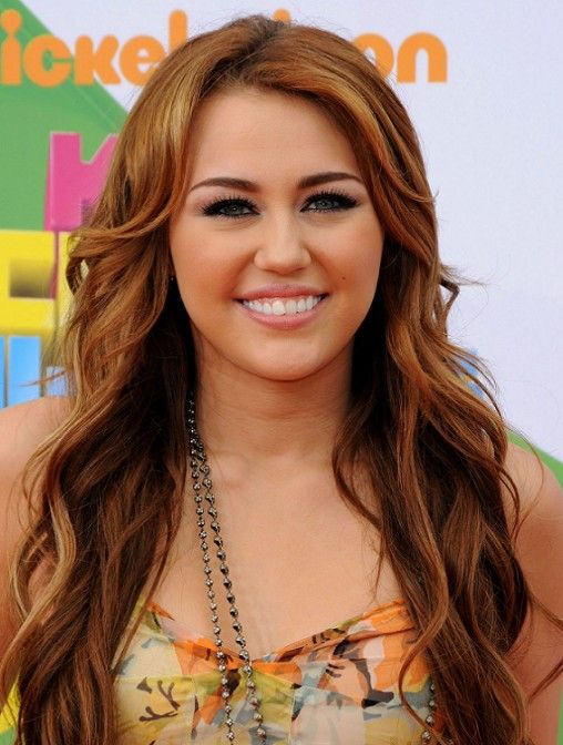 How To Do Miley Cyrus Hairstyles: Long Wavy Hair Styles | Miley ...