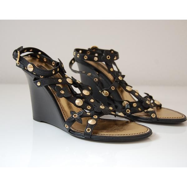 Tip: Louis Vuitton Heels (Black)