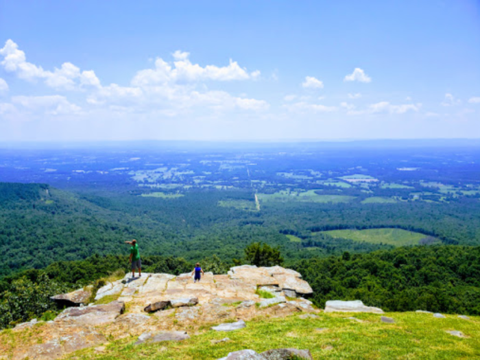 9 Of The Greatest Mountain Hiking Trails In Arkansas For Beginners #hikingtrails