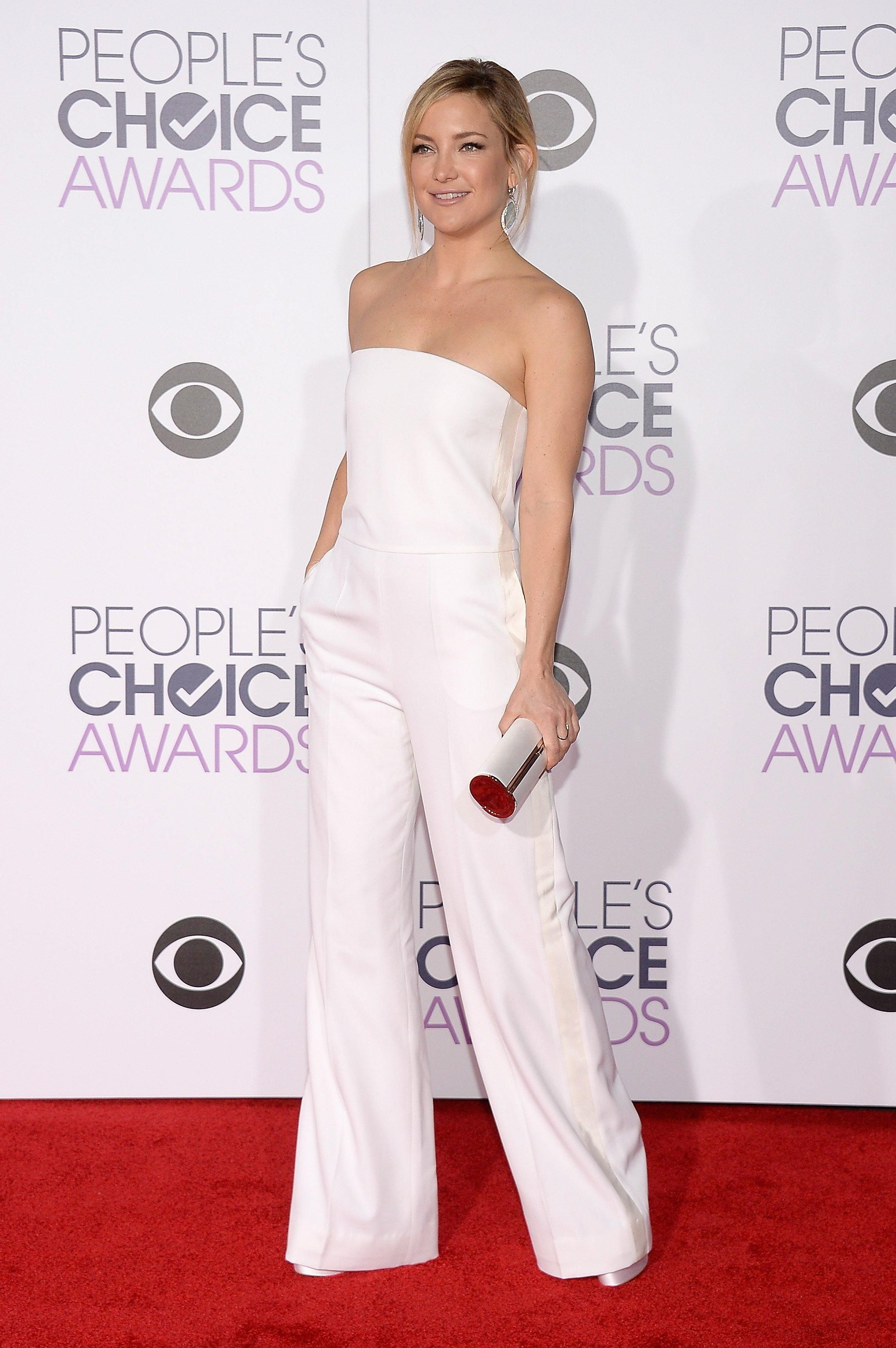 92d3df74548f People s Choice Awards 2016  Celebrity Fashion—Live from the Red ...