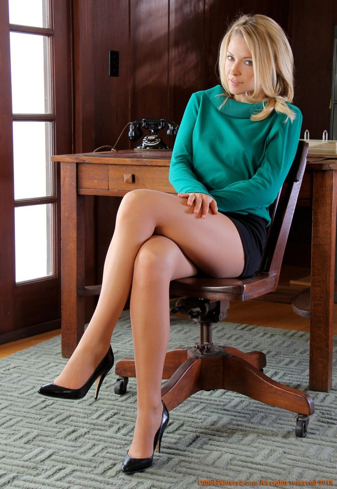 Pin on Gorgeous Legs