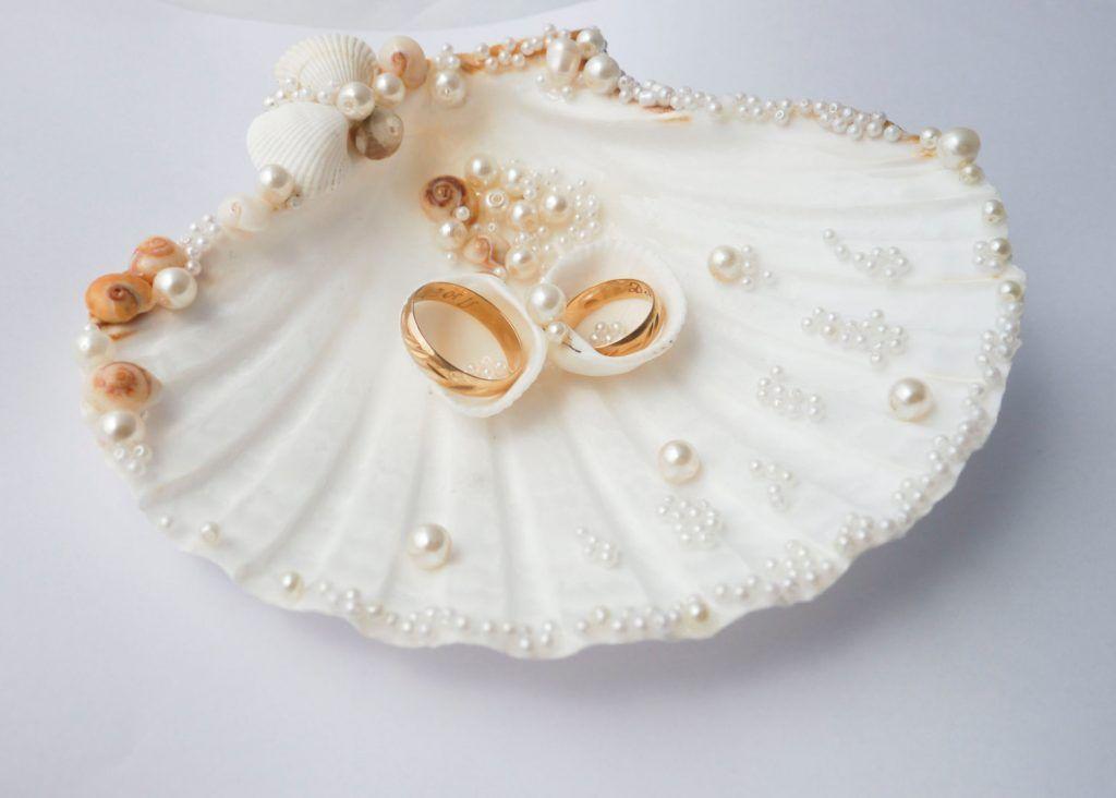 shell ring holder - Wedding Ring Holder