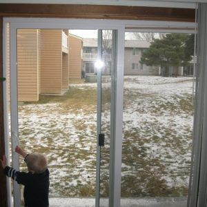 Quick Tip How To Remove A Sliding Screen Door Youtube