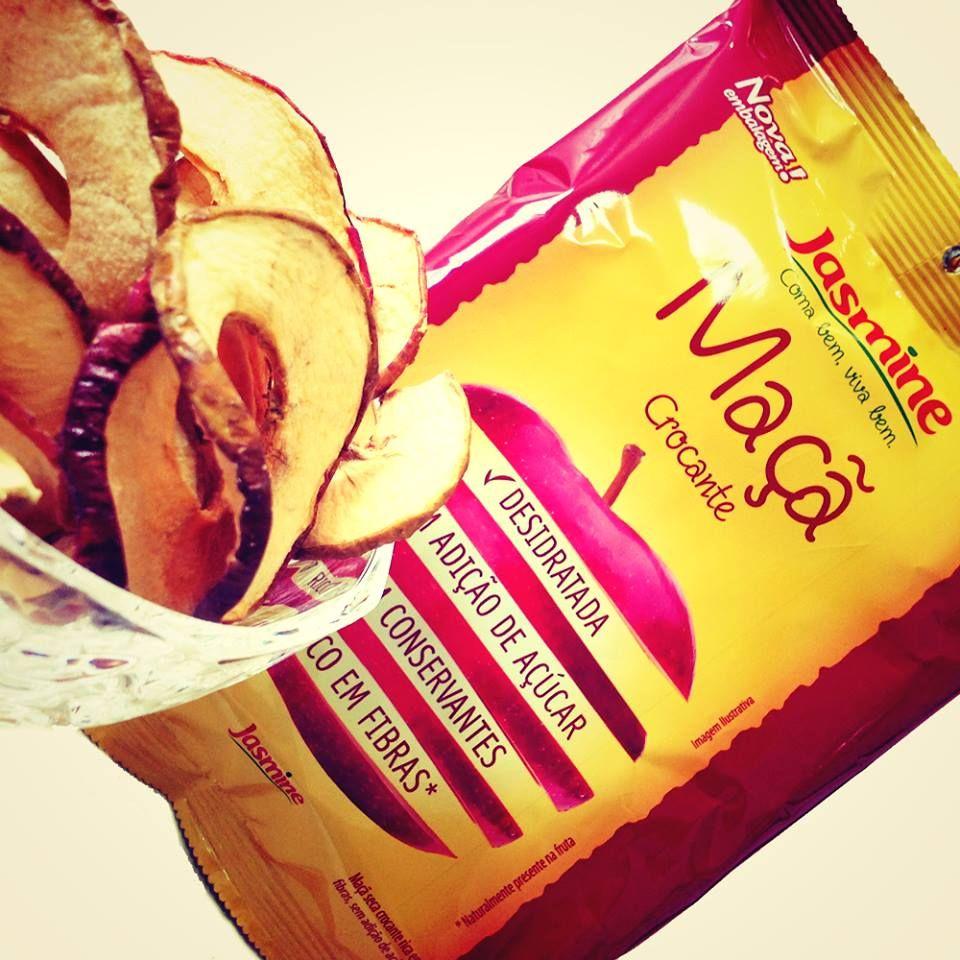 Que tal um snack saudável de maçã desidratada? A Maçã Crocante da Jasmine além de deliciosa e sequinha é um valioso alimento, produzido a partir de maçãs delicadamente selecionadas. É rica em fibras, totalmente isenta de gordura e sem adição de açúcar.