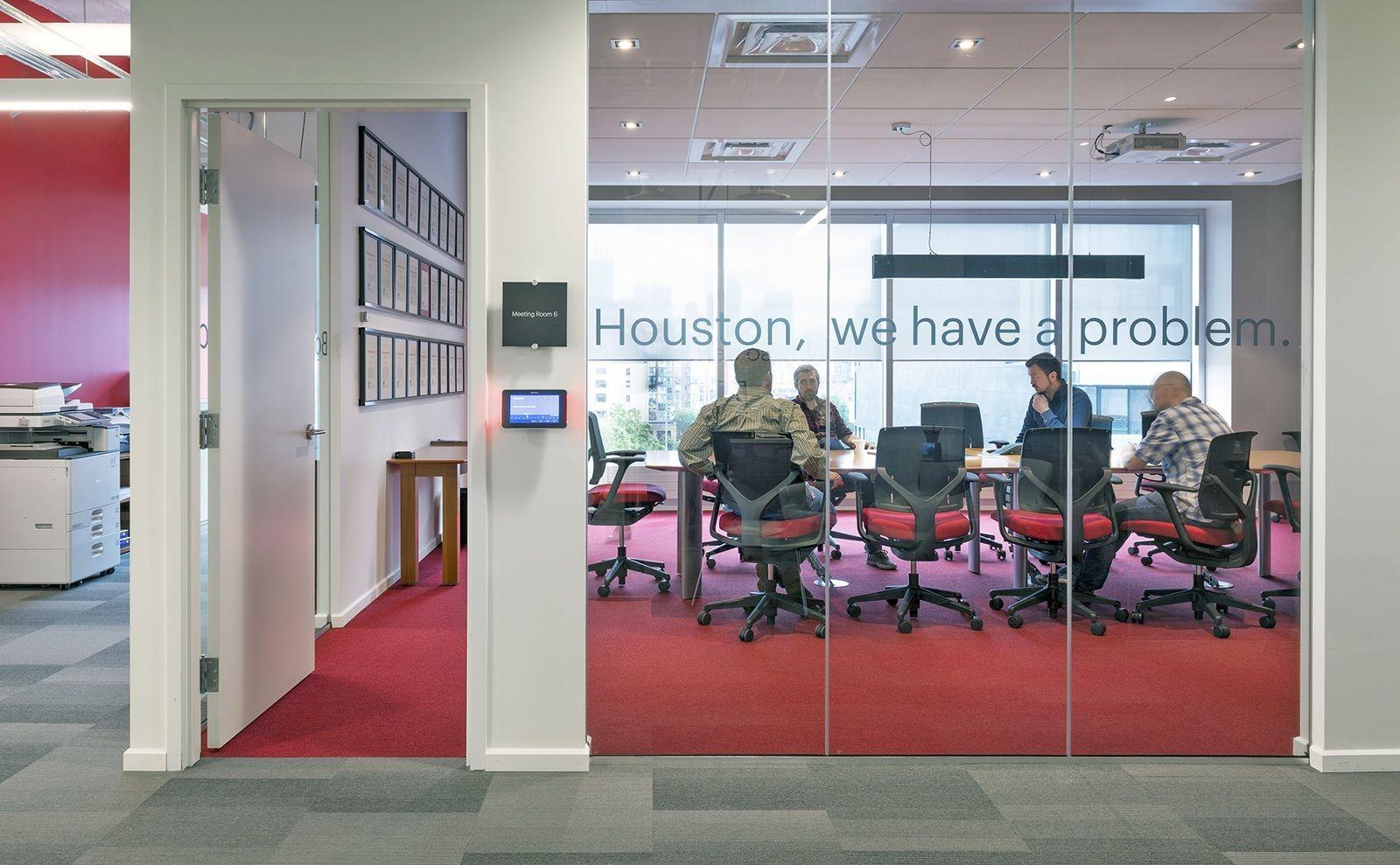 A Tour Of Deluxe S Modern Toronto Office Office Design Modern