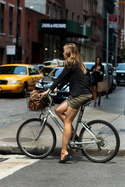 New York City Lady Bicycle Girl Bike Style Bicycle Chic