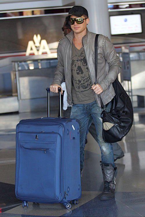 Adam Lambert in Diesel Tepphar Jeans in 68Z adam-lambert-092412- (2).jpg