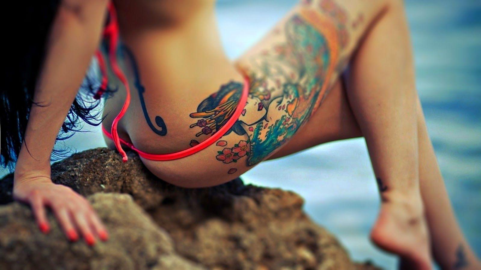 Sexy tattoo girl wallpaper