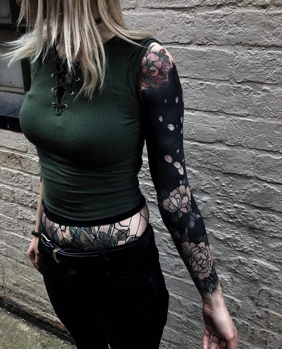 Japanese Blackwork Tattoo Sleeve By Maxrathbone Tattooer Japaneseink Japanesetattoo Irezumi Te Girls With Sleeve Tattoos Solid Black Tattoo Black Tattoos