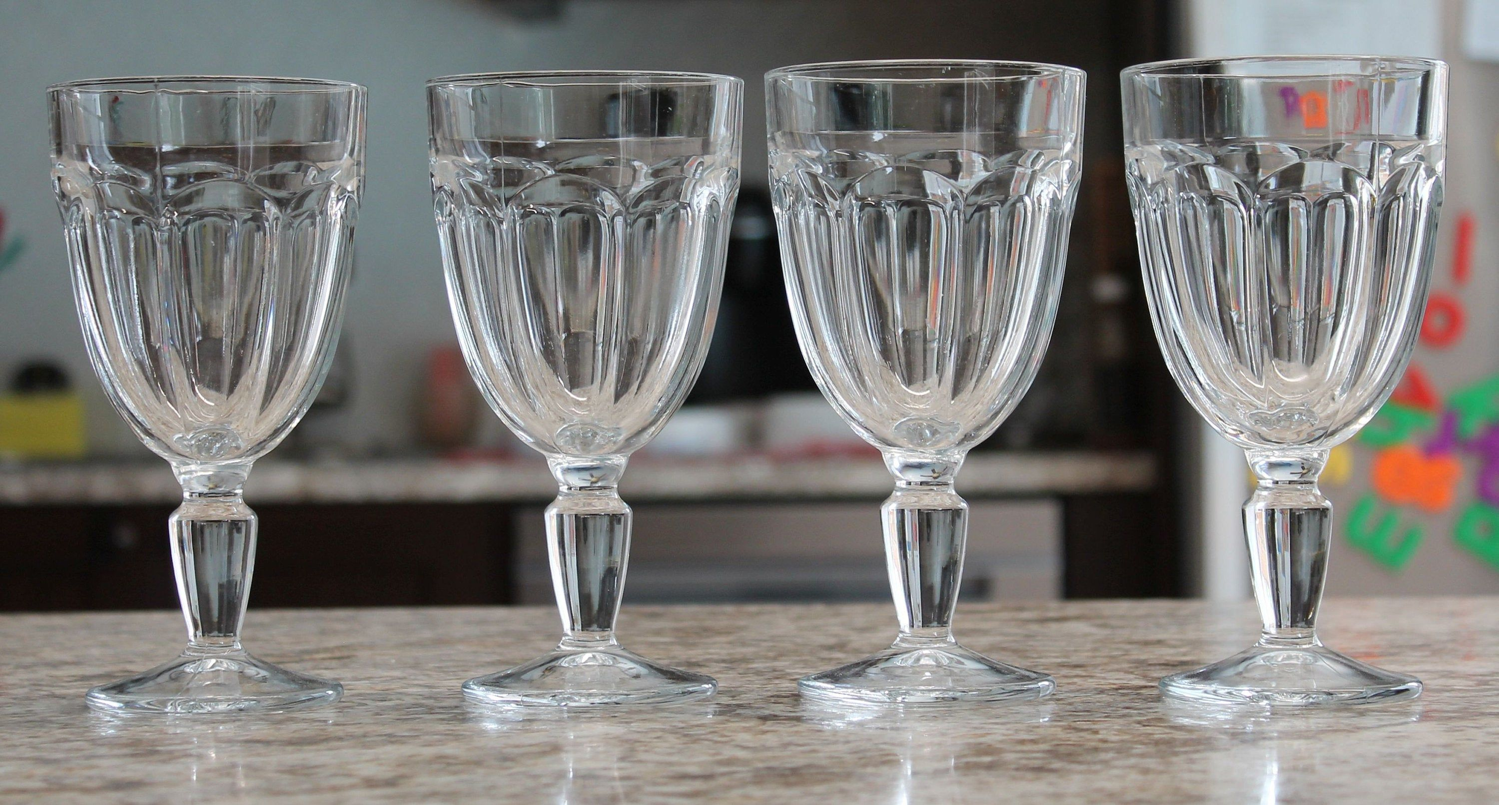 Set Of Four Clear Wine Goblets Vintage Thick Stem Wine Glasses Mid Century Modern Glassware Vintage Clear Wine Goblets Vintage Wine Glasses Vintage Wine Glasses Wine Goblets Vintage Wine