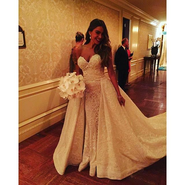 Wedding dress dance slowly