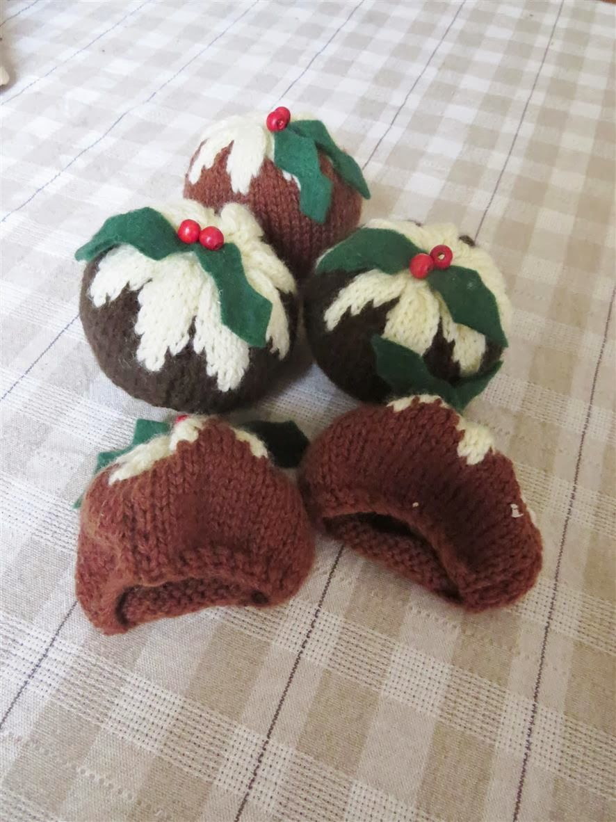 Free knitting pattern cupcake cap christmas pinterest free knitting pattern cupcake cap bankloansurffo Image collections