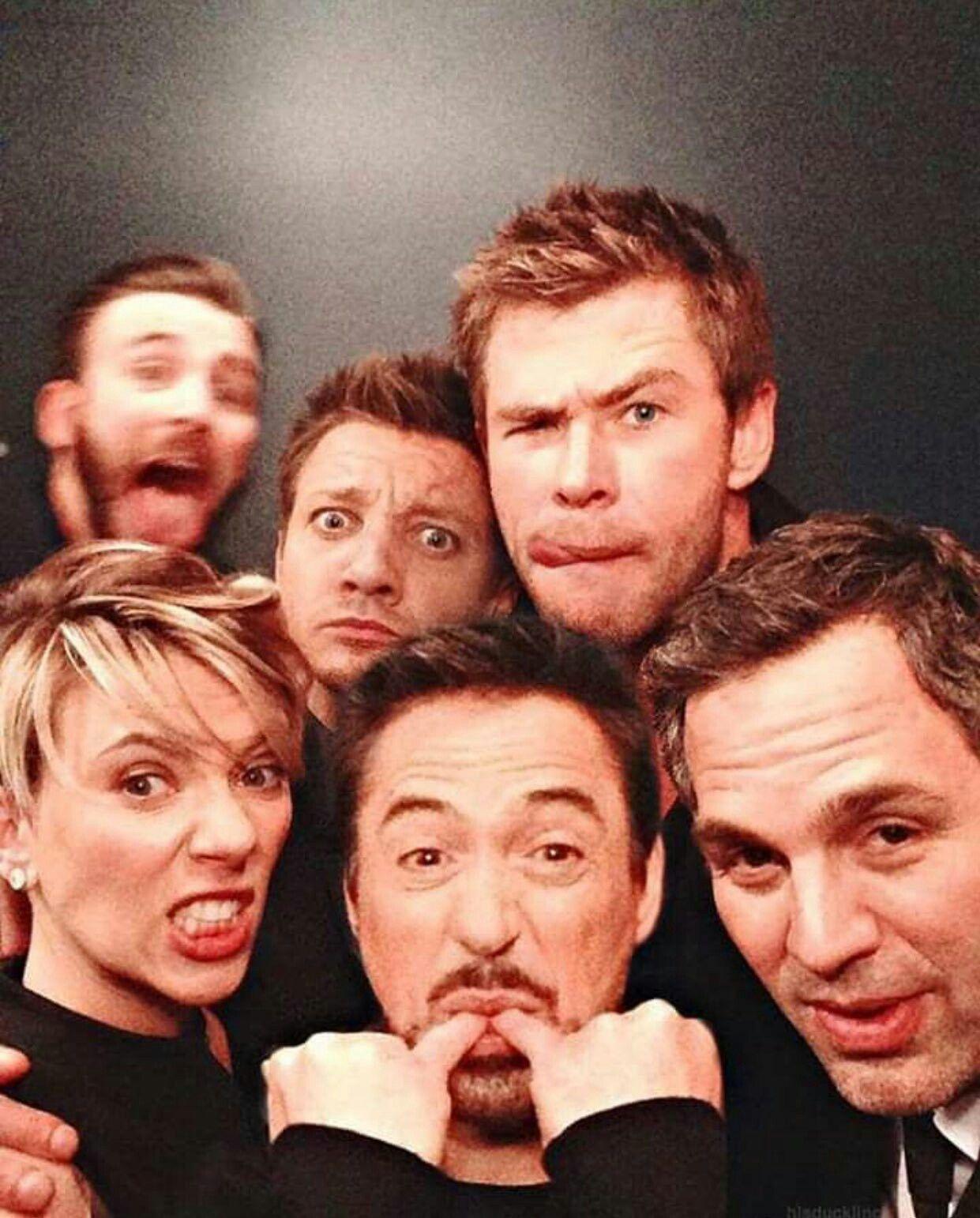 Chris Evans Jeremy Renner Hemsworth Scarlett Johansson Robert Downey Jr