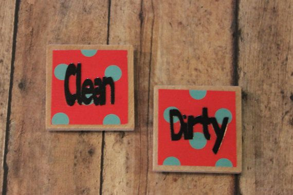 No need to wonder anymore if your dishes are either clean or dirty. You get two magnets with this order. One square reads Clean.    One square