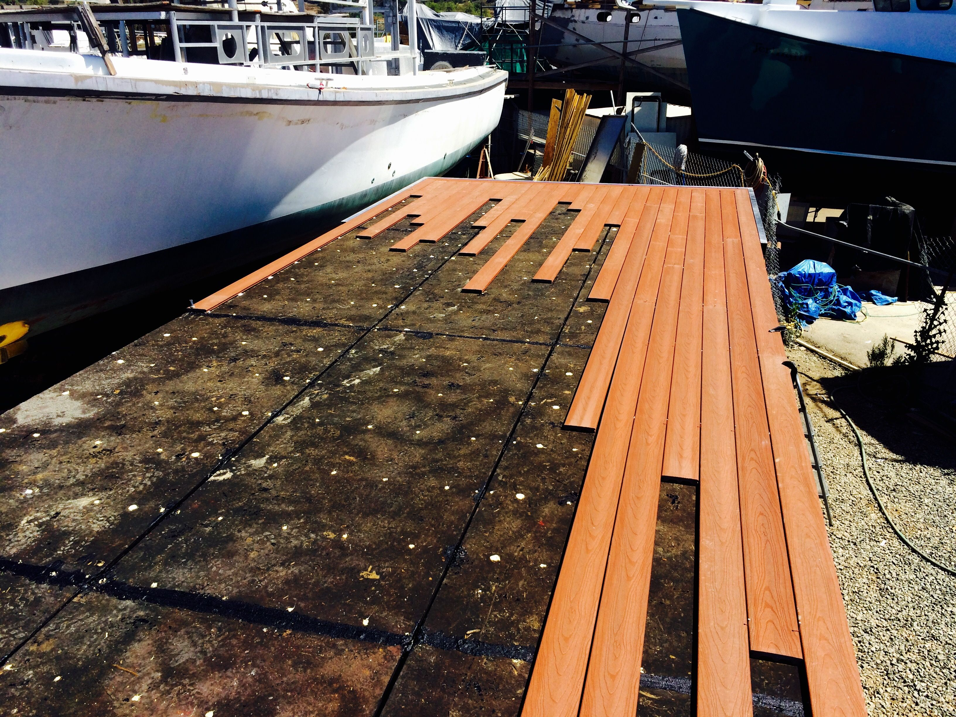 Composite Decking Www Sandiegopontoon Com San Diego Pontoon Boat Rental Pontoon Boat Boat Rental Pontoon