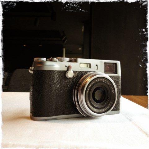 RAMÓN GRAU. Director of Photography: iPhone . Cenando en buena compañía . FujiX100 . Pamplona . Navarra esta noche .