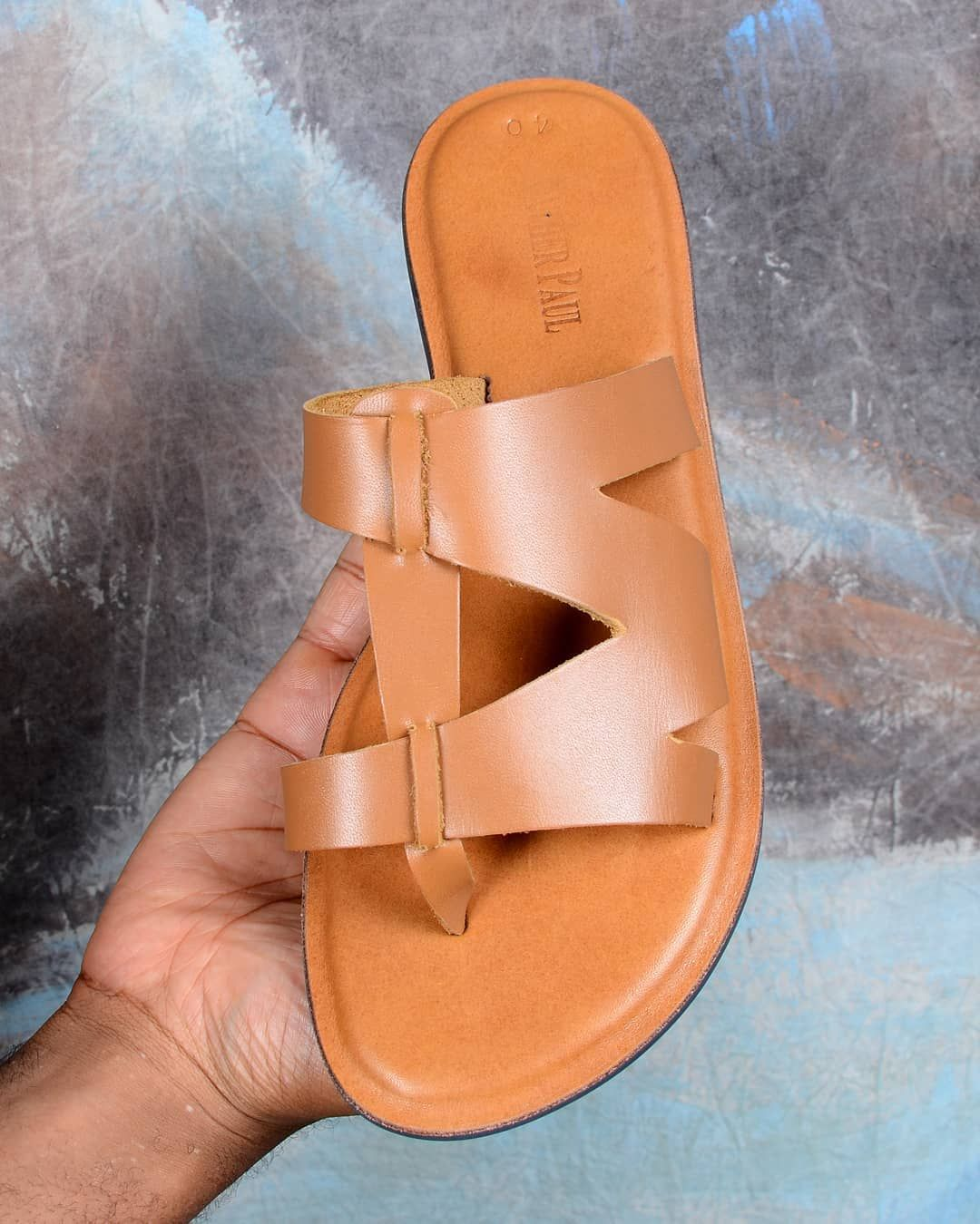 2019 New Men Closed Toe Sandals Beach Sand Flat Heel Shoes Summer Fashion Father