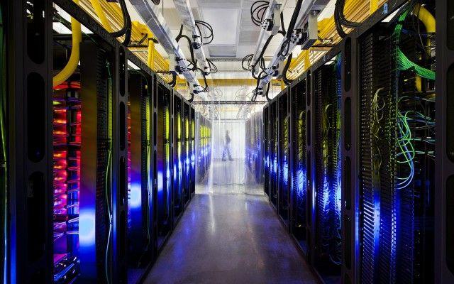"""Résultat de recherche d'images pour """"google, internet, data center"""""""