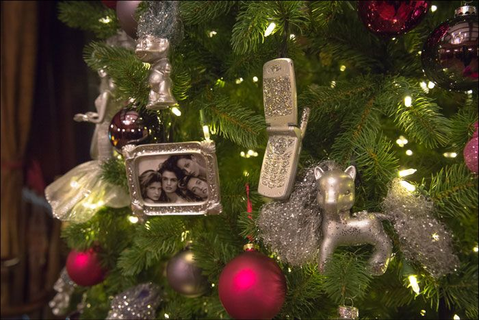 90s Christmas Tree Decorations.See 100 Years Of Christmas Tree Trends Winter Party