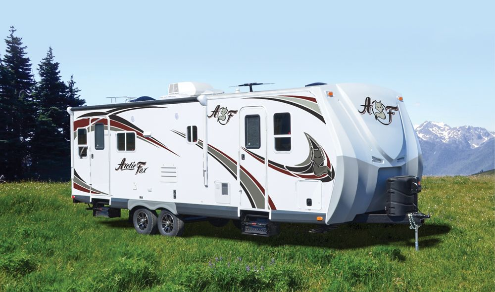 Top 8 Best RVs For Full Time Living And Travel Lite