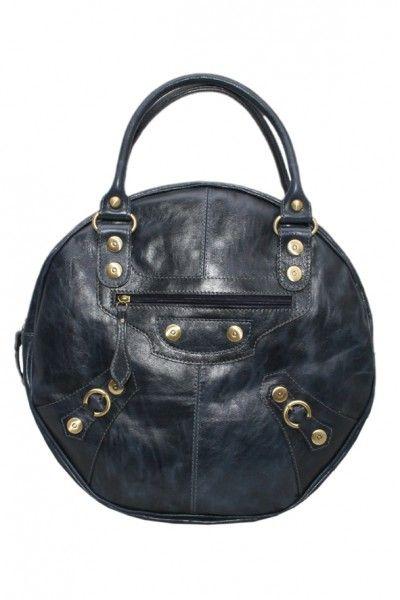 В свою очередь, Sara Battaglia предложила оригинальные модели маленьких круглых сумок, выполненных из металлической