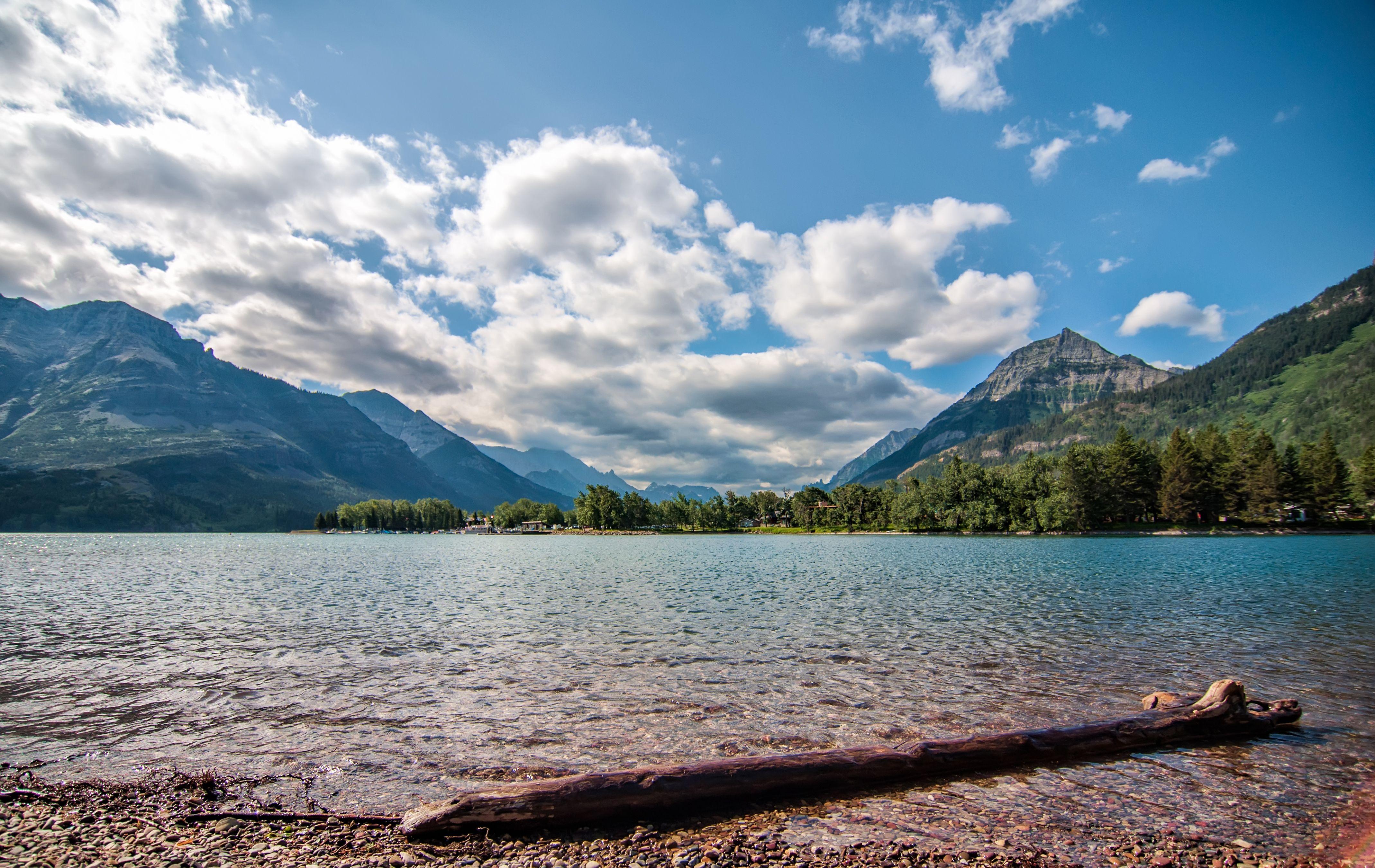 Waterton Lakes National Park, Alberta | parede Nuvens, Waterton Lakes National Park, Lagos, Alberta, Waterton ...