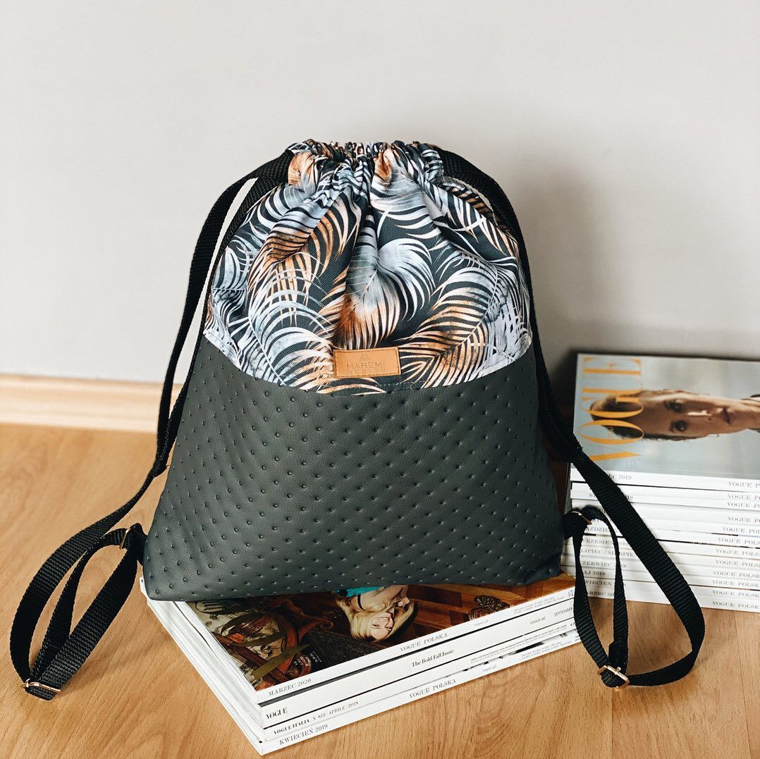 Plecak Worek Z Eko Skory Wzor Miedzianych Lisci Palmowych In 2020 Bags Drawstring Backpack Backpacks