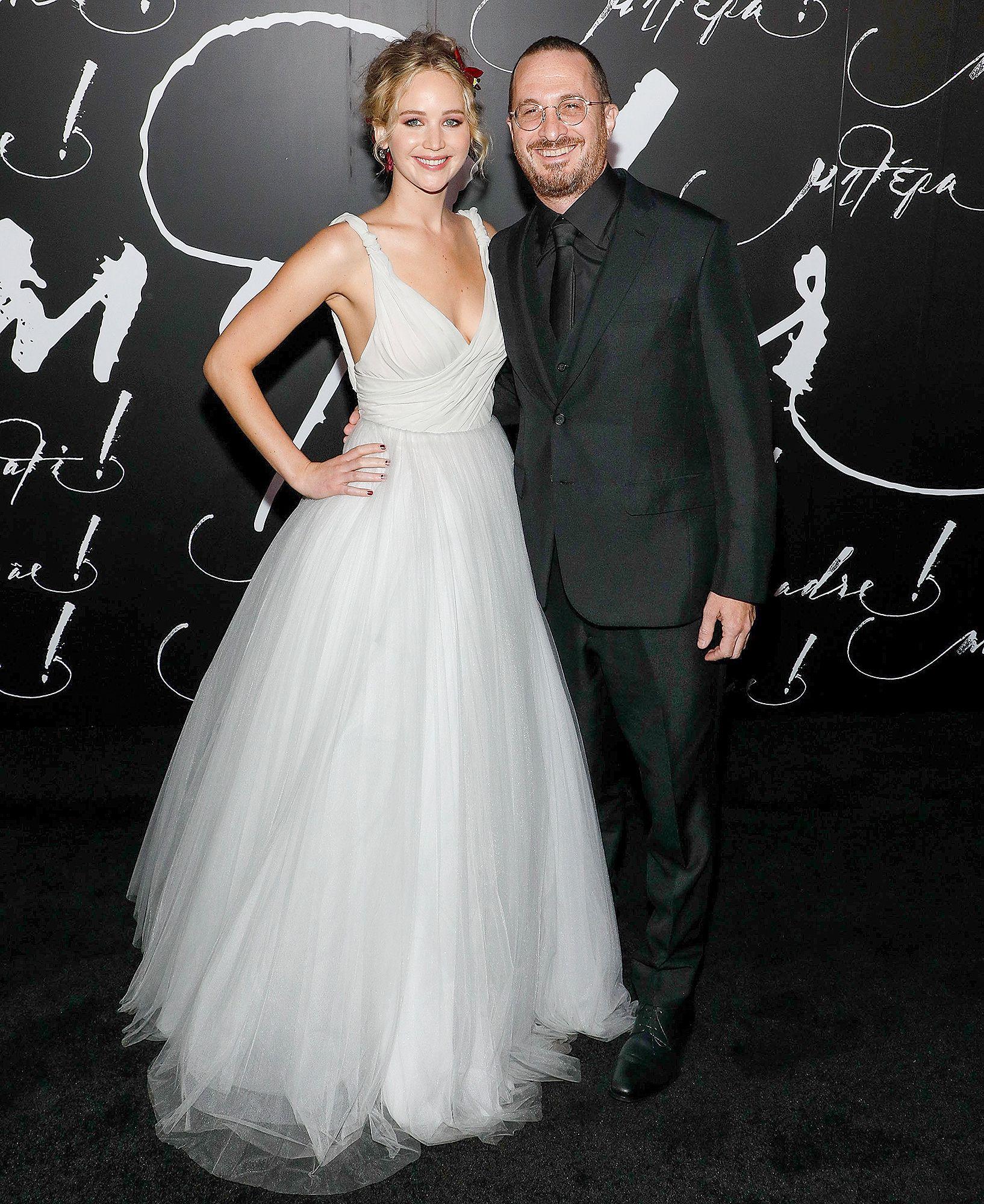 Jennifer Lawrence And Darren Aronofsky Split After A Year Together In 2020 Best Wedding Dresses Wedding Dresses Jennifer Aniston Wedding Dress