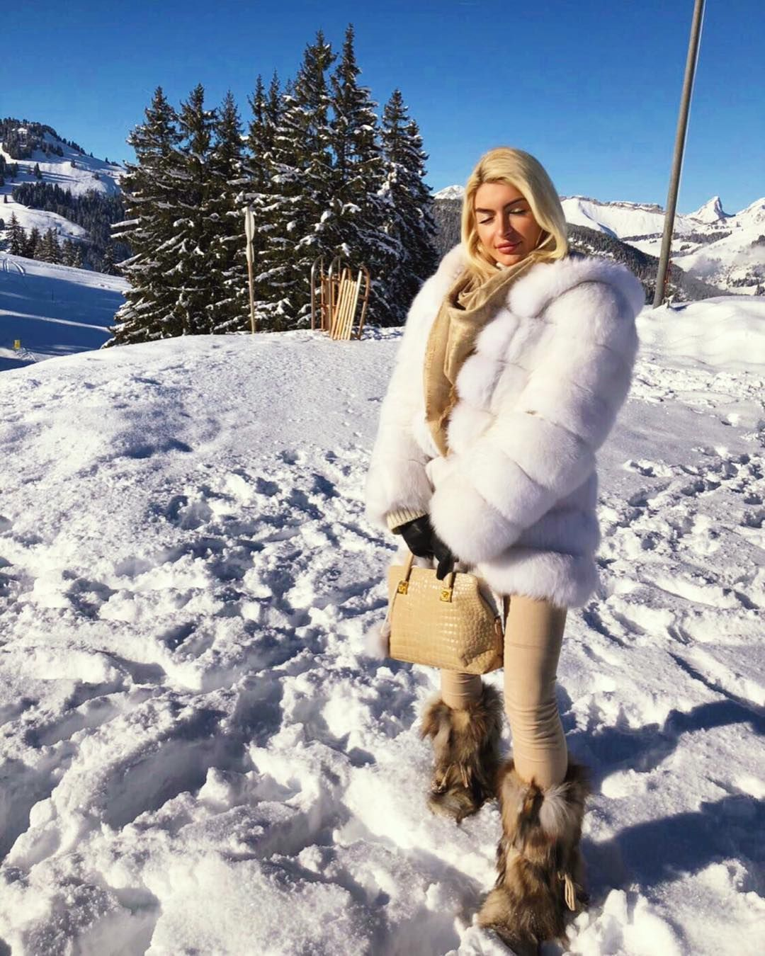 Oh, Winter White. How I love you. I NEED THIS! | coats