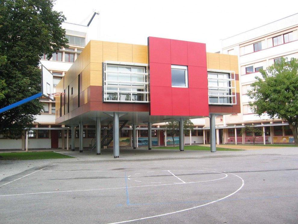 Lycée architecture contemporaine sous la forme d\u0027une boite sur