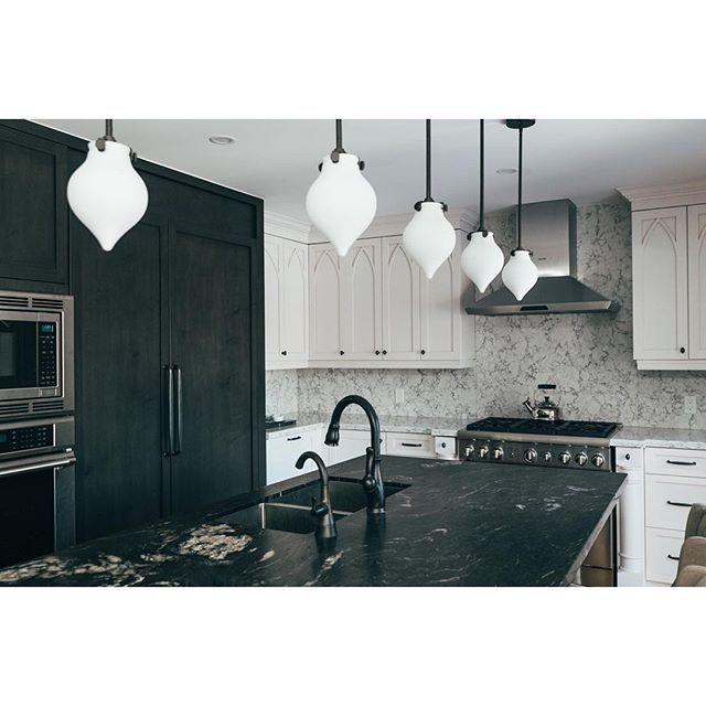 Kitchen Remodel Ventura: LG Rococo Viatera Quartz Backsplash And Titanium Leather