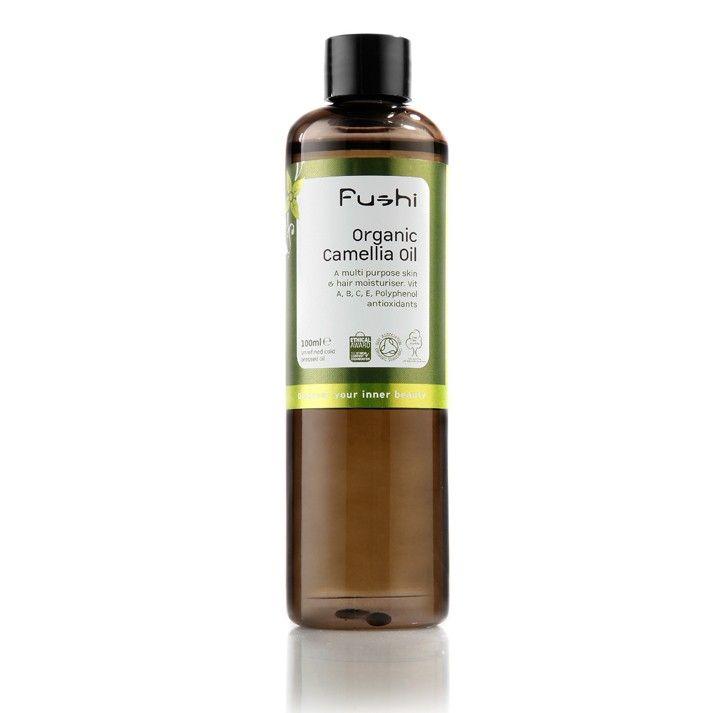 L'Huile de Camélia est riche en vitamines A, B, C, E et en Polyphénol, et contient des antioxidants naturels qui aident pour la protection de la peau.