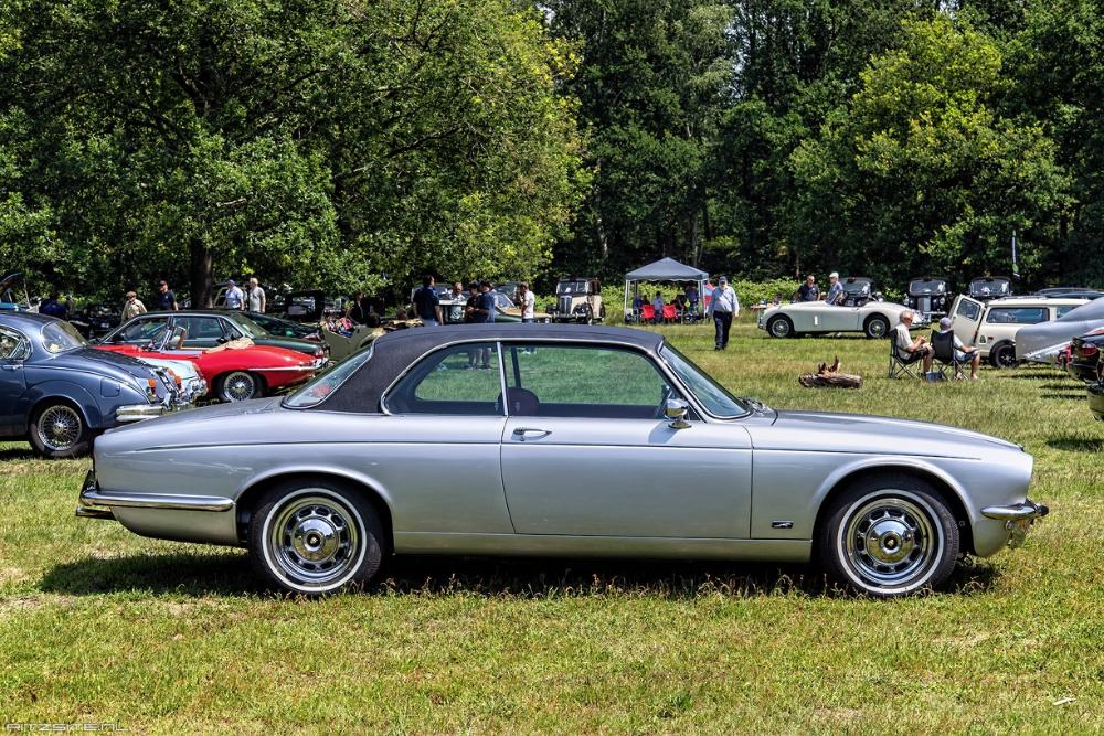 Jaguar XJ12 S2 5.3 C 1976 side   RitzSite Photo Archive
