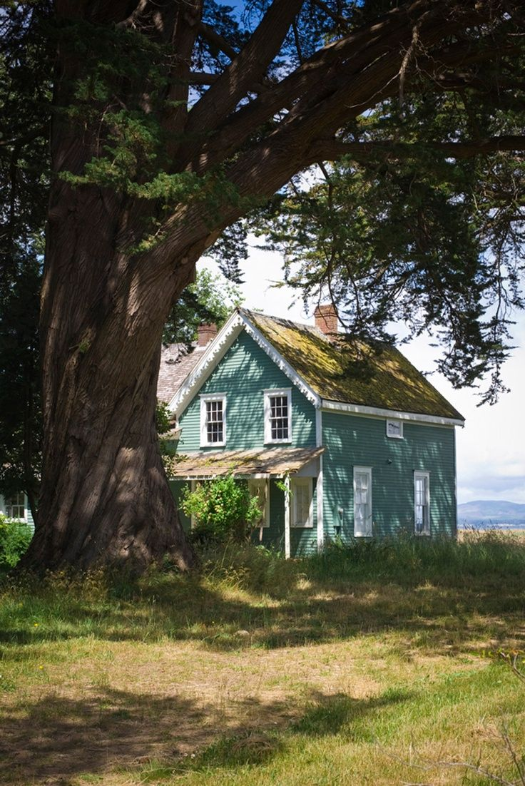 American Farmhouse - oh boy we could fix this one up real good!